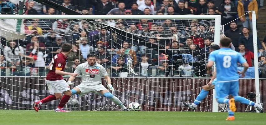 La Roma strappa di forza i tre punti al Napoli. All'Olimpico decide un gol di Pjanic.