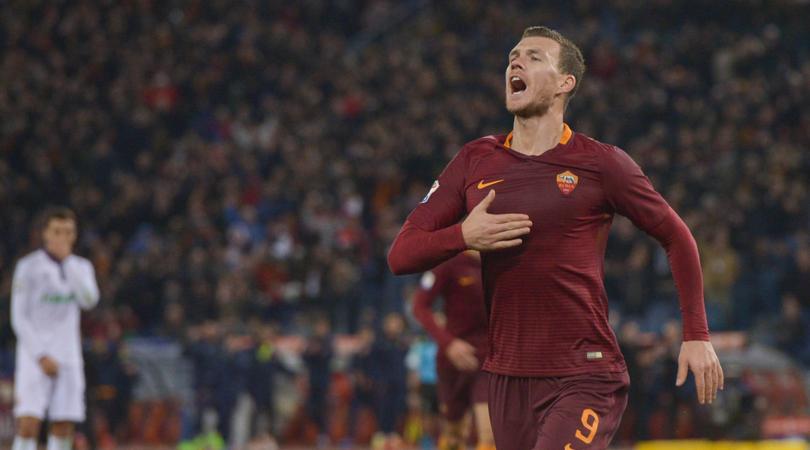 Serie A, la Roma travolge la Fiorentina nel posticipo dell'Olimpico. Giallorossi secondi in classifica.