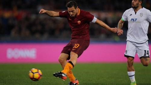 Roma-Cesena 2-1: le pagelle. Cercasi rabbia agonistica, Totti toglie le castagne dal fuoco
