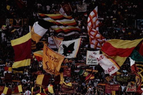 File nella Capitale per i biglietti Roma-Liverpool e quelli di Anfield. Primi tifosi arrivati domenica dopo il derby