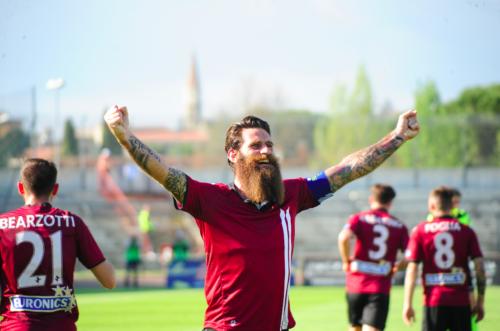 Moscardelli: «Grazie Totti per le emozioni che mi hai dato. Scudetto? La Roma c'è. Vinciamo il derby»