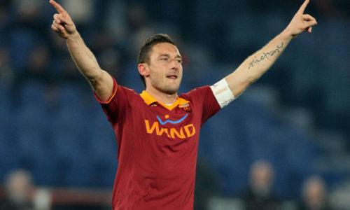 2013, Roma-Genoa 3-1. Totti fa 225 gol in Serie A e raggiunge Nordahl