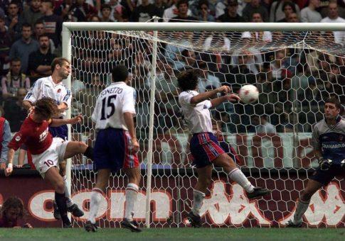 2000, Roma-Bologna 2-0. L'anno dello scudetto inizia nel segno di Totti
