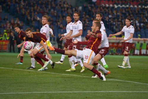 2016, Roma-Torino 3-2. Una serata da lacrime di gioia, una favola con Totti protagonista